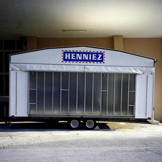 HENNIEZ001